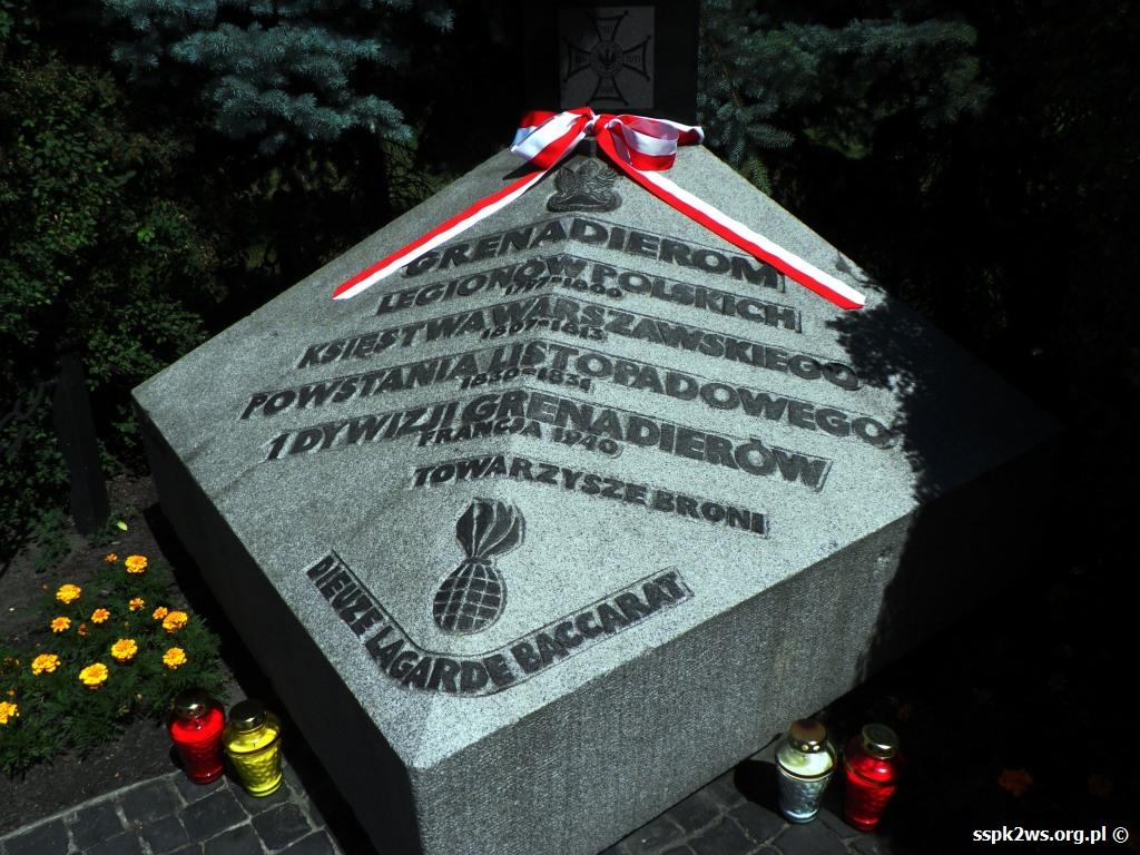 Legarde 2013 Pomnik Grenadierów