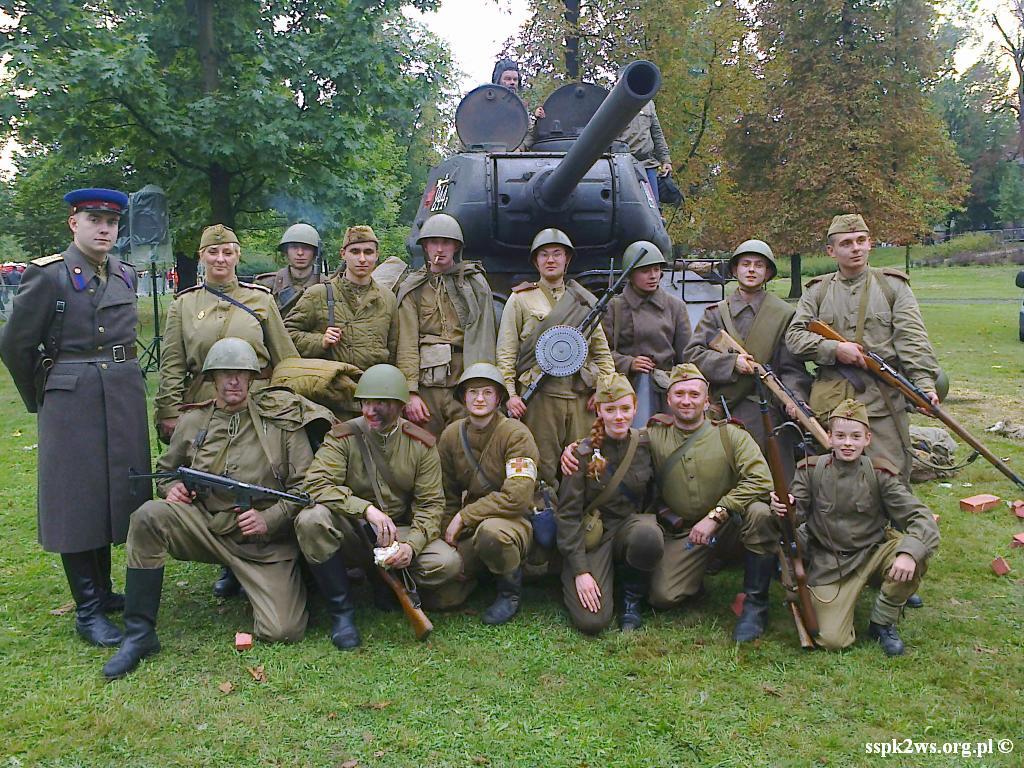 Legnica-Uniejowice-2013-4.Grupa Rekonstrukcyjna żołnierzy Armii Czerwonej