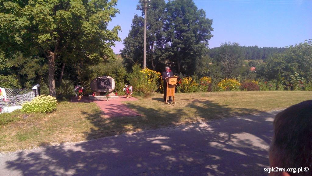 Nowiny_Horynieckie-2013-4.Przemówienie przy Pomniku Ofiar Nowin Horynieckich