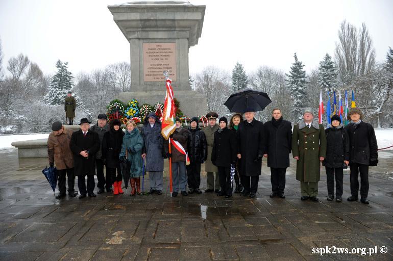 69-rocznica-wyzwolenia-warszawy-Delegacja Stowarzyszenia wraz z Ambasadorem Federacji Rosyjskiej i osobami towarzyszącymi oraz z Z-cą Kierownika Urzędu ds. Kombatantów i Osób Represjonowanych