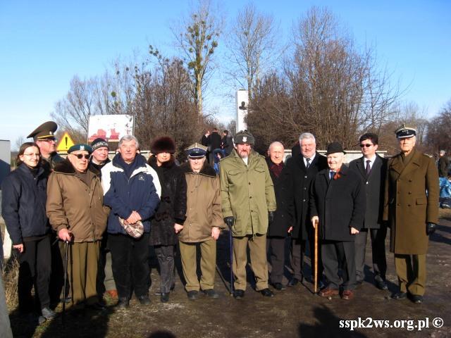 Pieniezno-2014-10.Delegacja Stowarzyszenia z Kombatantami i przedstawicielami Ambasady FR i republiki Białoruś
