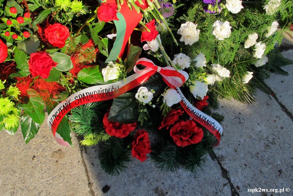 Pieniezno-2014-8.kwiaty od Stowarzyszenia